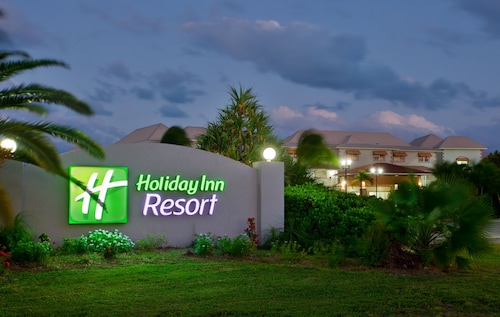 . Holiday Inn Resort Grand Cayman