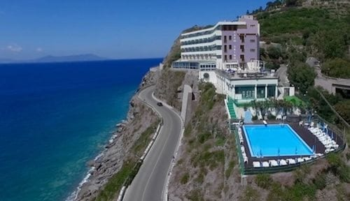 __{offers.Best_flights}__ Caposkino Park Hotel