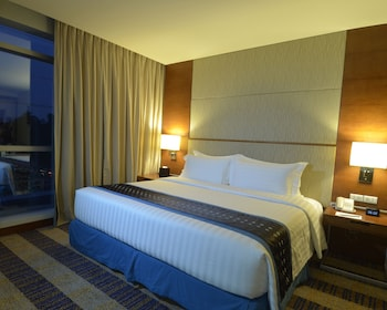 Best Western Plus Lex Cebu Room