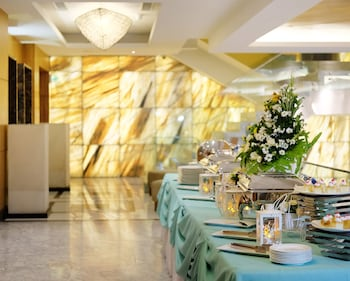 Best Western Plus Lex Cebu Buffet