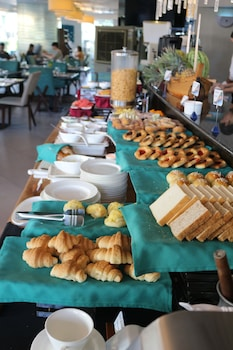 Best Western Plus Lex Cebu Breakfast buffet