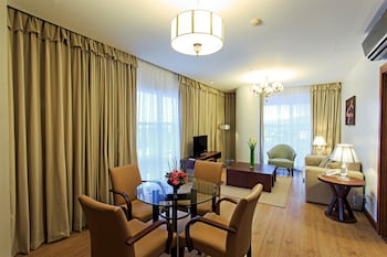 Best Western Plus Lex Cebu Living Area