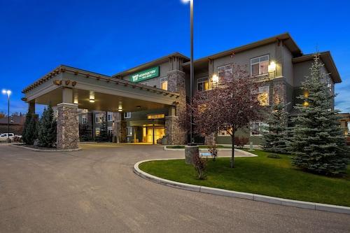 . Mountainview Inn & Suites