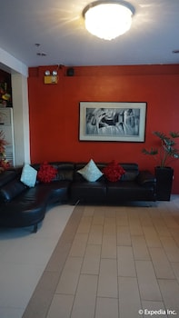 Devera Hotel Angeles Lobby Sitting Area