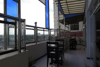 Devera Hotel Angeles Terrace/Patio