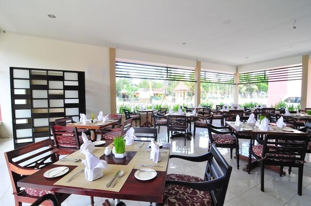Desain Taman Kota  aerotel mandalika praya praya lombok id reservations com