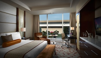 Solaire Hotel Manila Guestroom