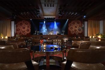 Solaire Hotel Manila Lounge