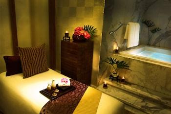 Solaire Hotel Manila Treatment Room