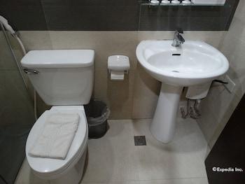 Empire Suites Hotel - Bathroom  - #0