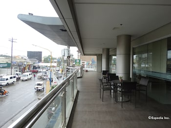 Empire Suites Hotel - Hallway  - #0