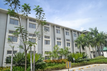 Microtel Gensan Exterior