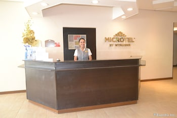 Microtel Gensan Reception