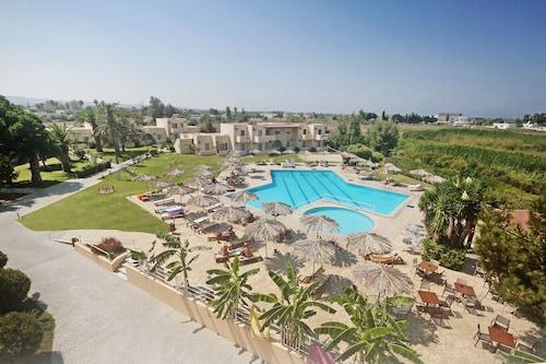 __{offers.Best_flights}__ Roselands Hotel Bungalows