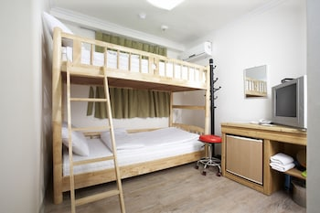 ムーンズ ホステル