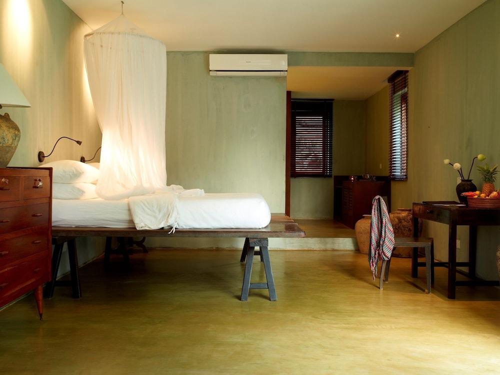https://i.travelapi.com/hotels/6000000/5980000/5971200/5971123/bcafec17_z.jpg