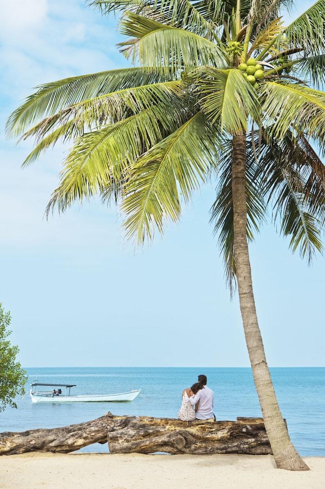 https://i.travelapi.com/hotels/6000000/5980000/5971200/5971123/cc81966d_z.jpg