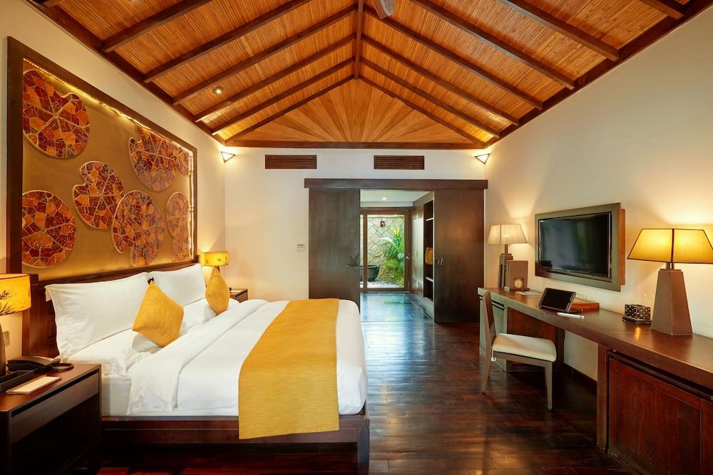 Deluxe Room, 1 King Bed (Ocean)