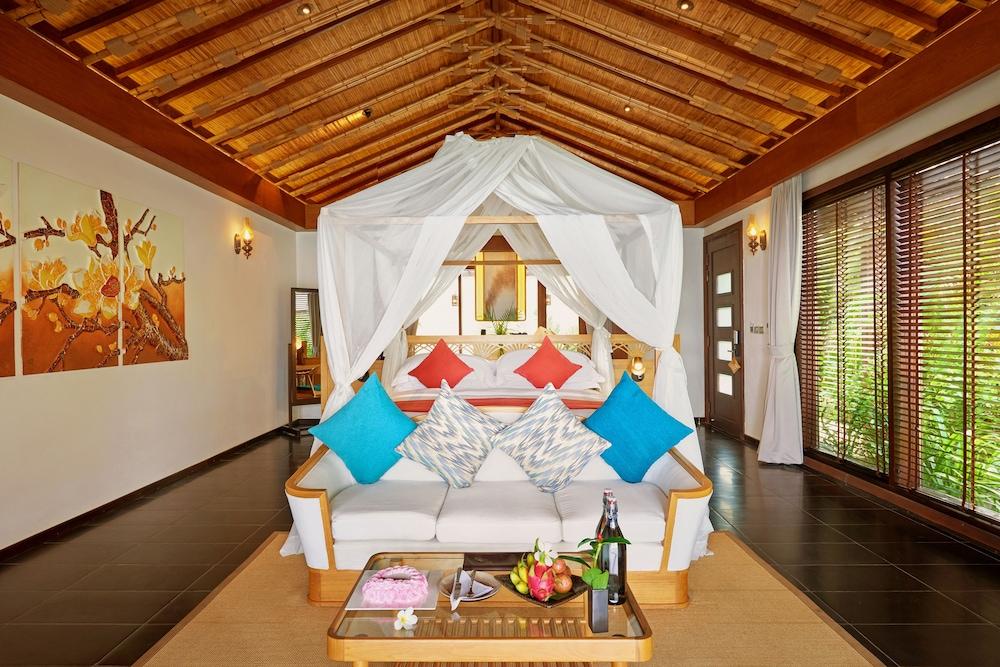 Villa, 1 King Bed (Ocean Pool)
