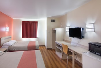 Deluxe Room, 2 Double Beds, Non Smoking, Refrigerator & Microwave