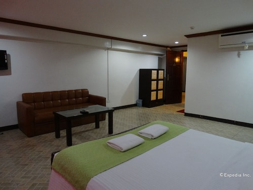 Ecoland Suites & Inn, Davao City