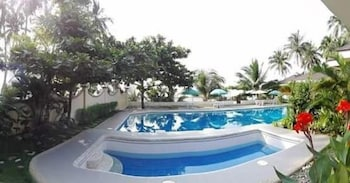 Ucoy Beach Resort Libertad Pool
