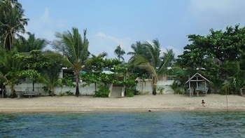Ucoy Beach Resort Libertad