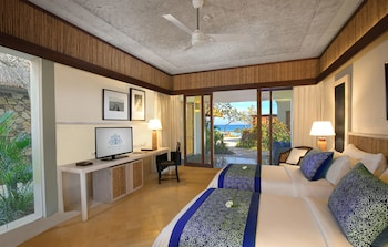 Suite, Partial Ocean View