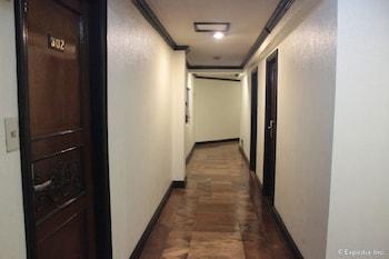 New Camelot Hotel Quezon City Hallway
