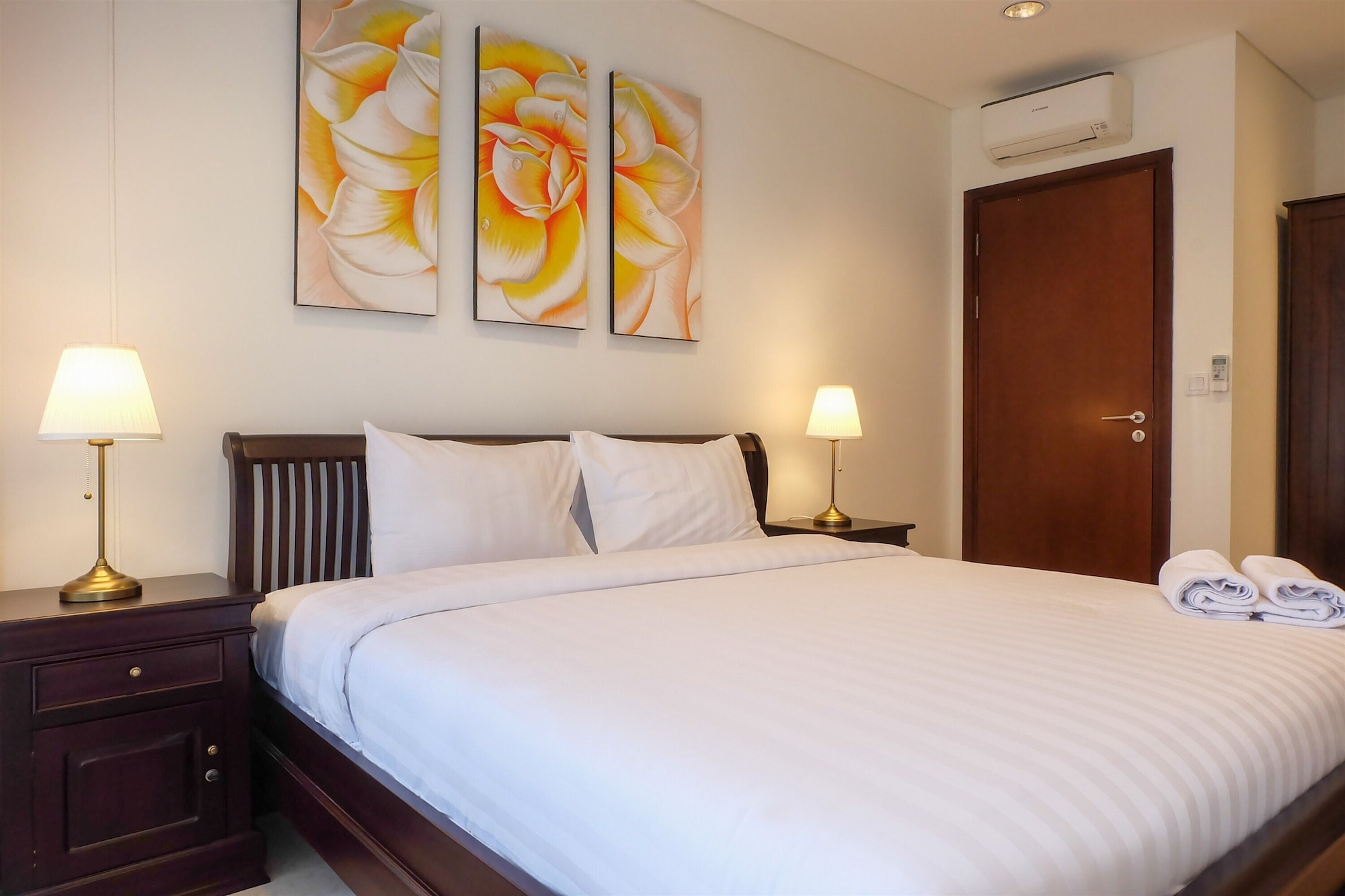 Comfy 2BR L'Avenue Apartment, South Jakarta