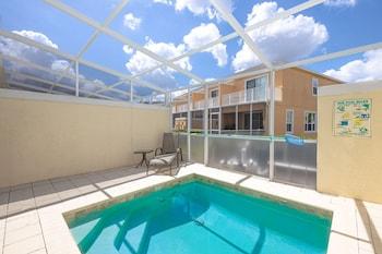 Modern Townhouse With Pool near Disney