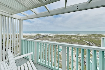 Spacious Townhome On The Beach With Decks 2 Bedroom Townhouse