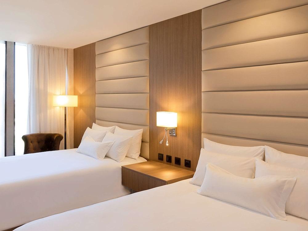 https://i.travelapi.com/hotels/61000000/60340000/60335700/60335614/88424c9f_z.jpg
