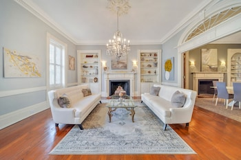 7br Historic Downtown Location