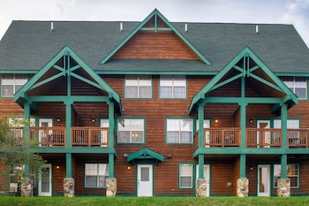 Camp Four Townhomes by Casago
