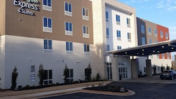Holiday Inn Express & Suites Jackson, an IHG Hotel