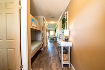 Seacove One Bedroom Collection by Seacove Homeowner Rentals Seacove One Bedroom Collection by Seacove Homeowner Rentals