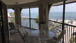 Top Floor, Water View! 3 Bedroom Condo