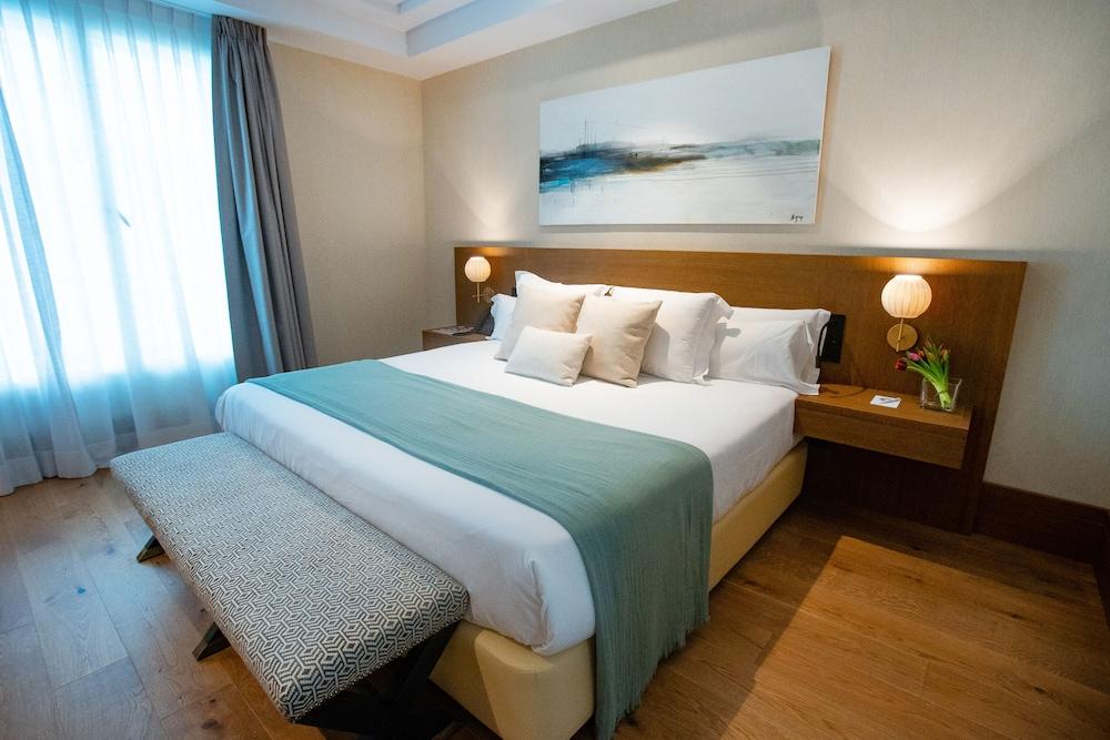 https://i.travelapi.com/hotels/65000000/64620000/64615800/64615781/7471aef1_z.jpg