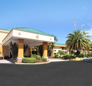 Garnet Inn & Suites Garnet Inn & Suites