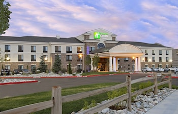 Hotel - Holiday Inn Express & Suites Colorado Springs First & Main