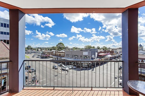 Boulevard on Beaumont, Newcastle - Throsby