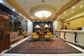 Tiara Oriental Hotel Makati Lobby Sitting Area