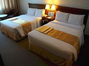 Tiara Oriental Hotel Makati Guestroom