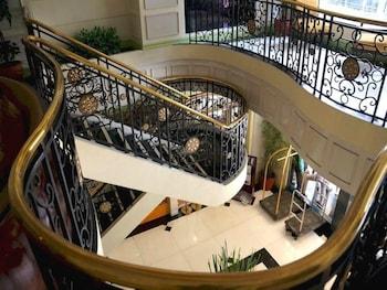 Tiara Oriental Hotel Makati Staircase