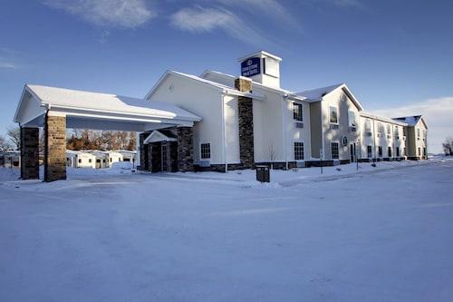. Cobblestone Inn & Suites - Rugby