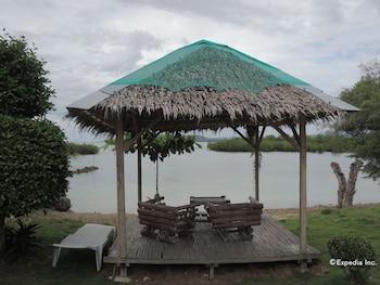 Moalboal Beach Resort Gazebo