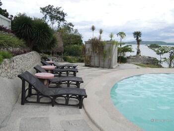Moalboal Beach Resort Sundeck