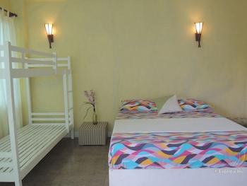 Moalboal Beach Resort Room