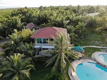 Moalboal Beach Resort Breakfast Area